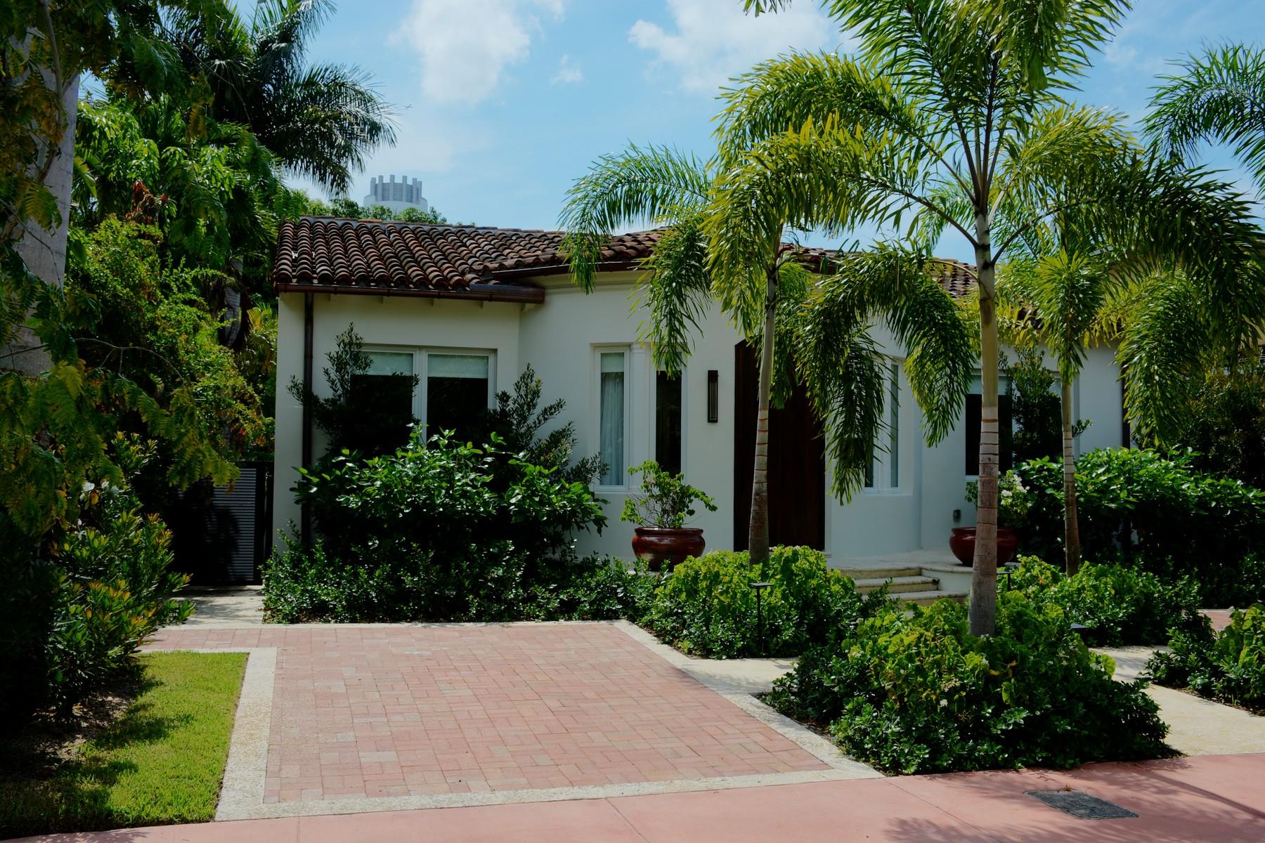 Casa para uma família para Venda às 4427 ROYAL PALM AVE Miami Beach, Florida 33140 Estados Unidos