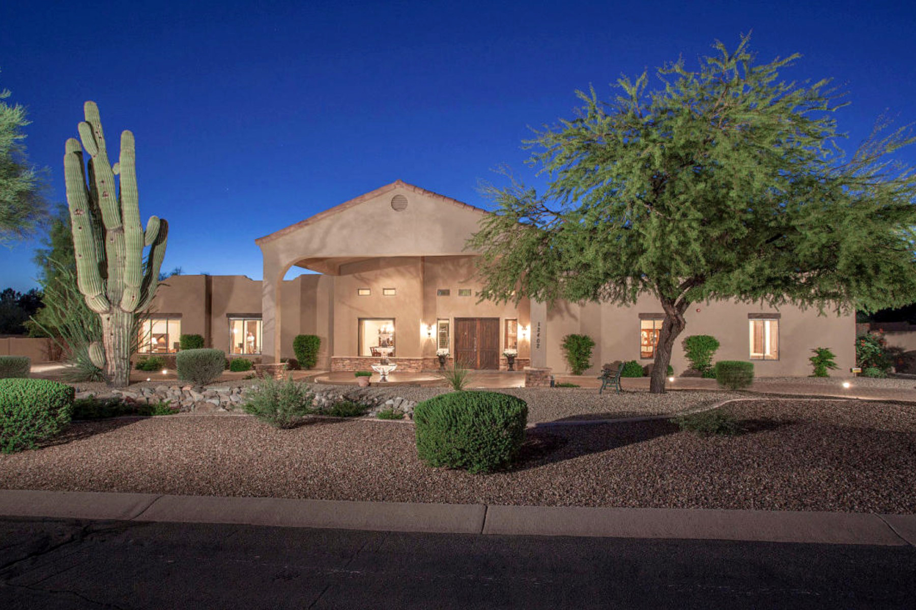 Single Family Home for Sale at Casual Elegance in Cactus Corridor 12402 N 102nd Street Scottsdale, Arizona 85260 United States