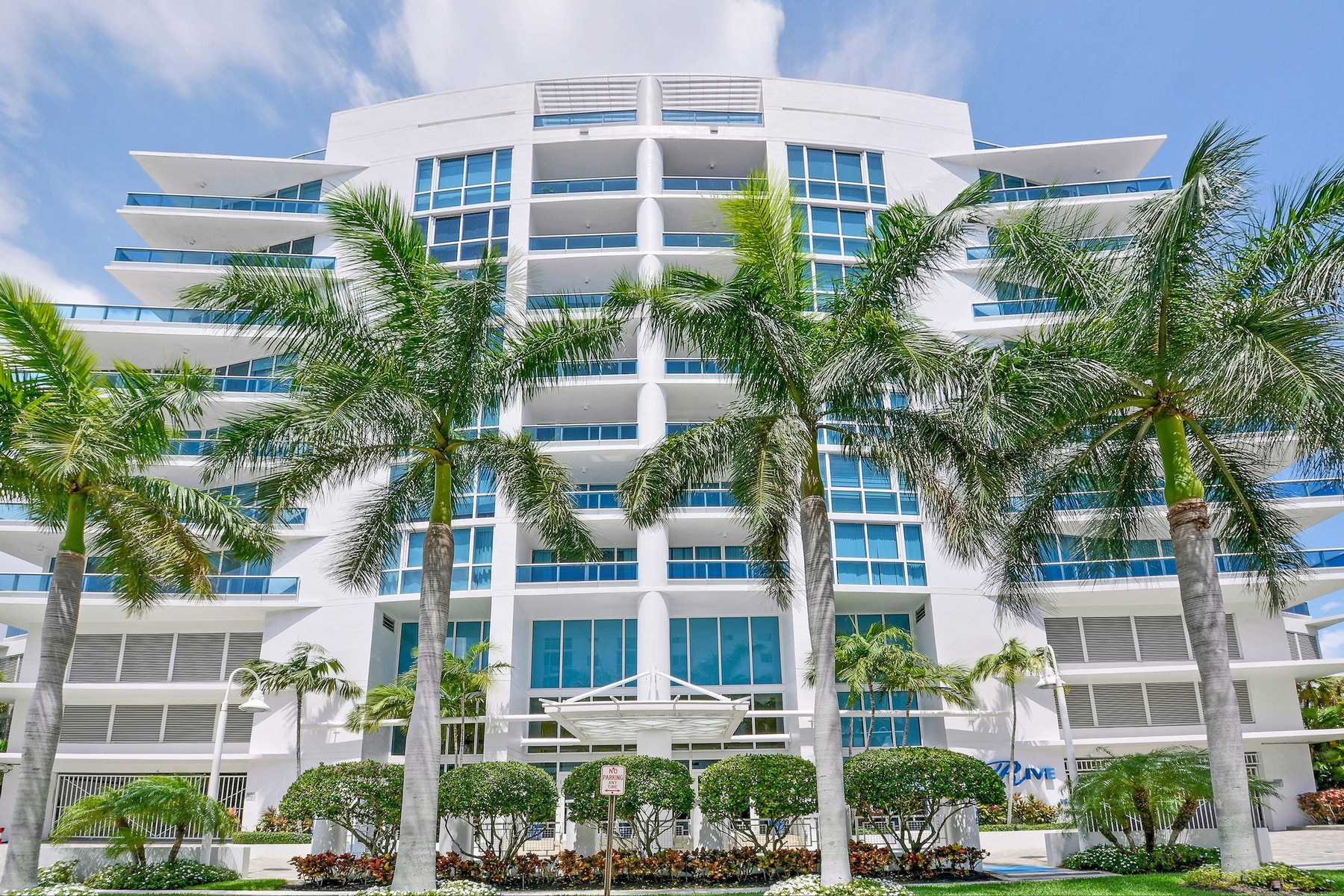 Condominium for Sale at La Rive Bayshore Drive #704 Fort Lauderdale, Florida 33304 United States