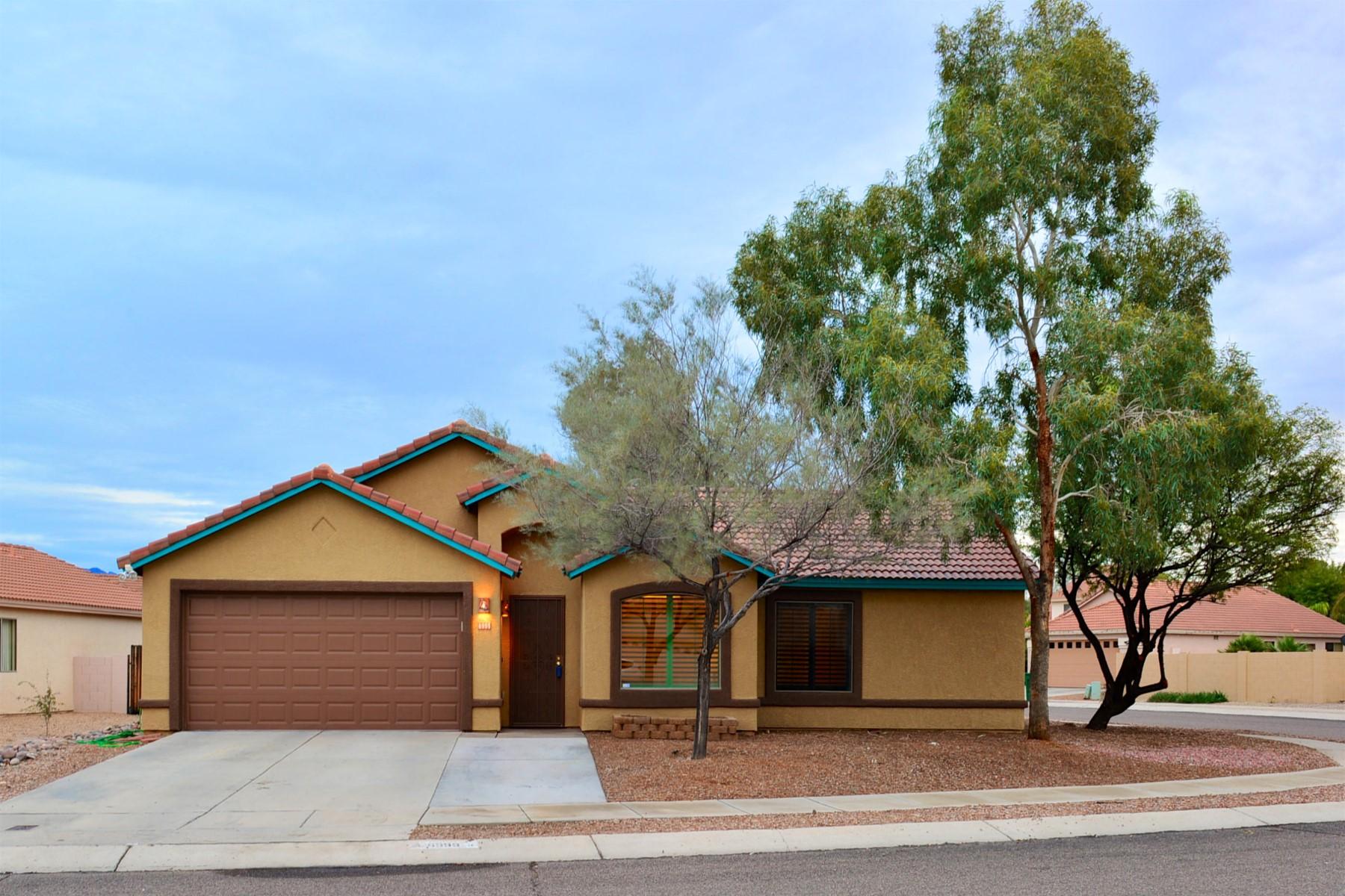 Vivienda unifamiliar por un Venta en One of a kind large corner lot in Continental Ranch 6999 W Harcuvar Drive Tucson, Arizona, 85743 Estados Unidos