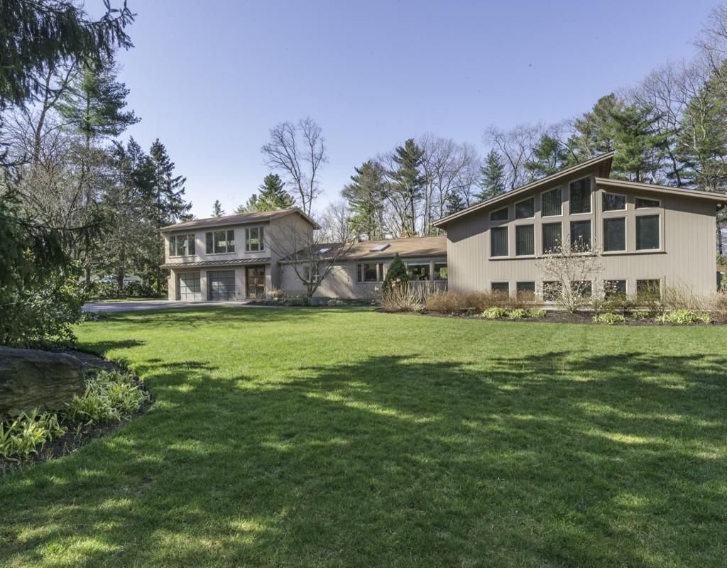 Casa para uma família para Venda às Completely renovated and expanded 245 Park Lane Concord, Massachusetts, 01742 Estados Unidos
