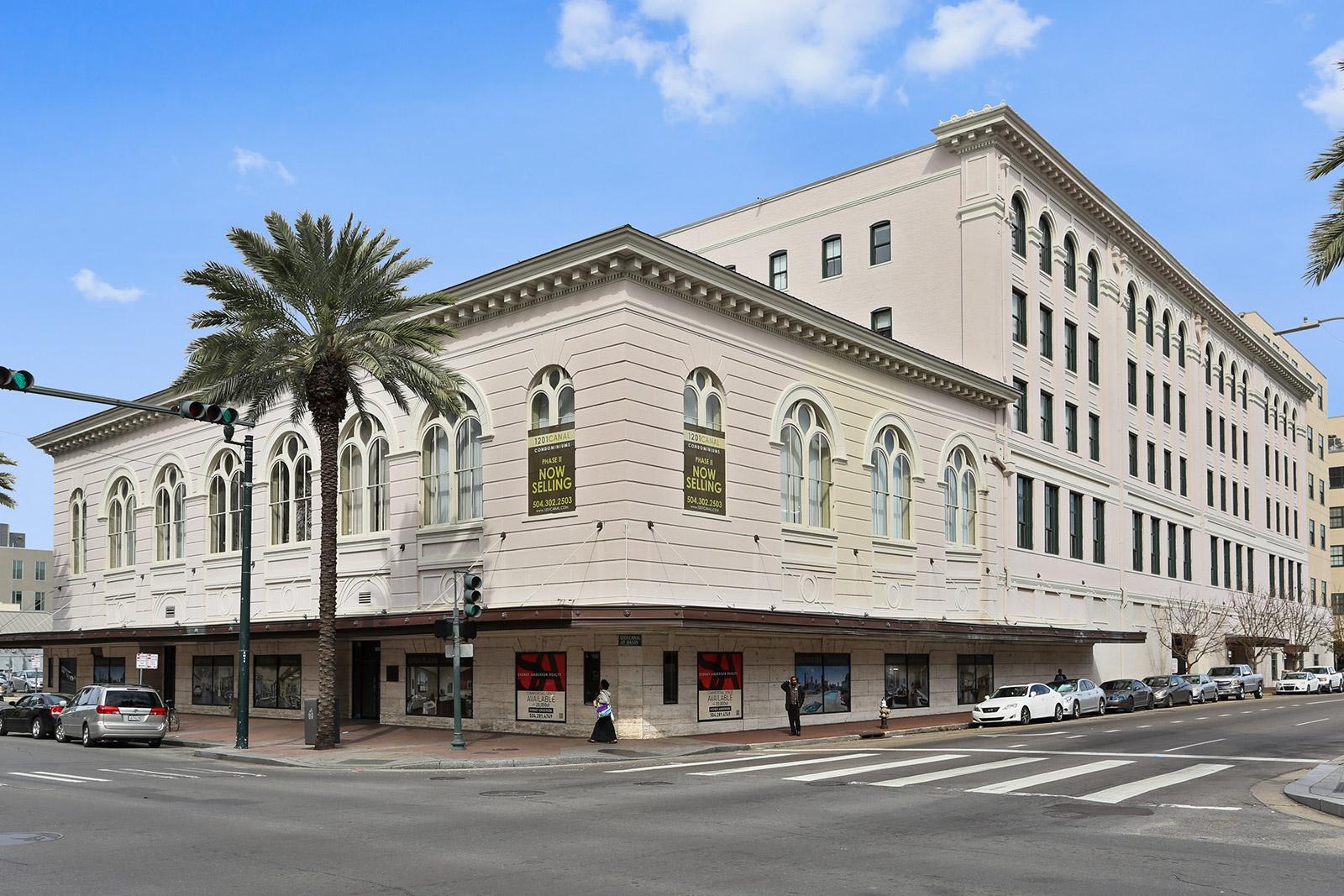Copropriété pour l Vente à 1201 Canal Street 1201 Canal St #252 New Orleans, Louisiana, 70112 États-Unis