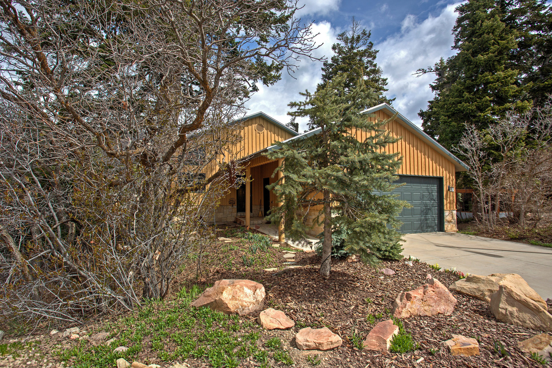 sales property at Quintessential Mountain Home in the Trees