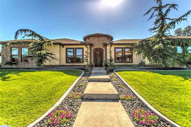 Casa Unifamiliar por un Venta en Mediterranean Dream Home 9021 Tuscany Dr Pasco, Washington 99301 Estados Unidos