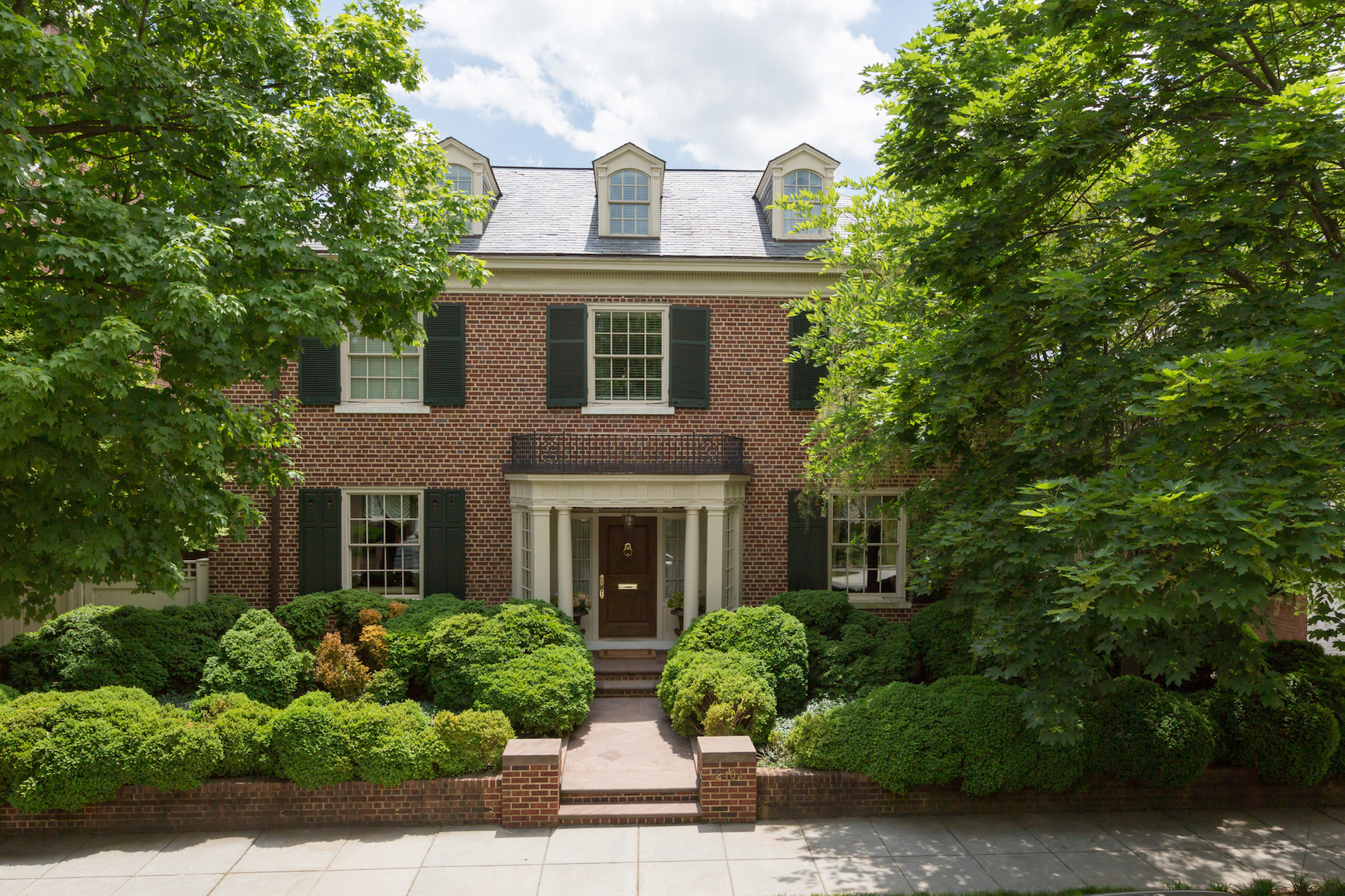 Single Family Home for Sale at Kalorama 2404 Wyoming Avenue NW Washington, District Of Columbia 20008 United States