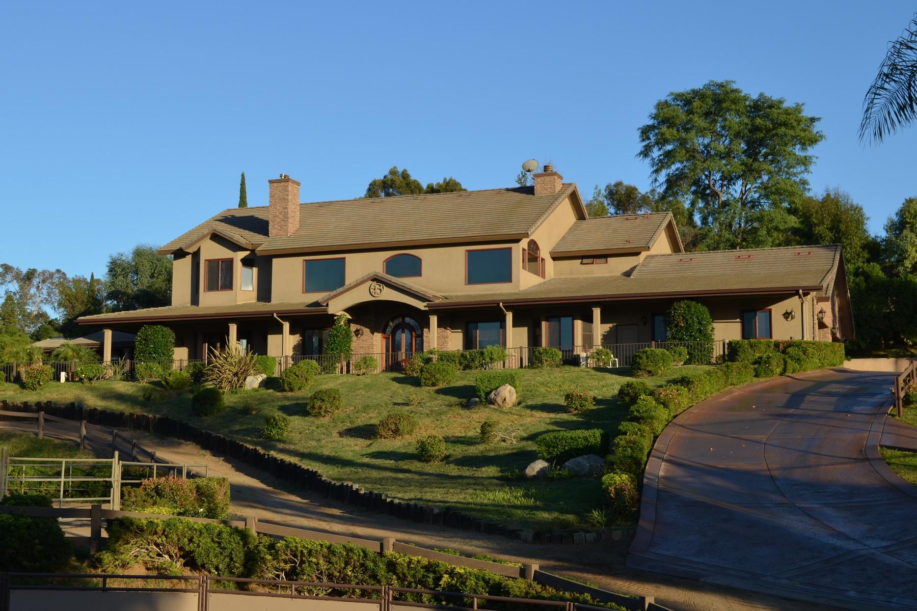 Casa Unifamiliar por un Venta en 1291 Summit Place Escondido, California 92027 Estados Unidos