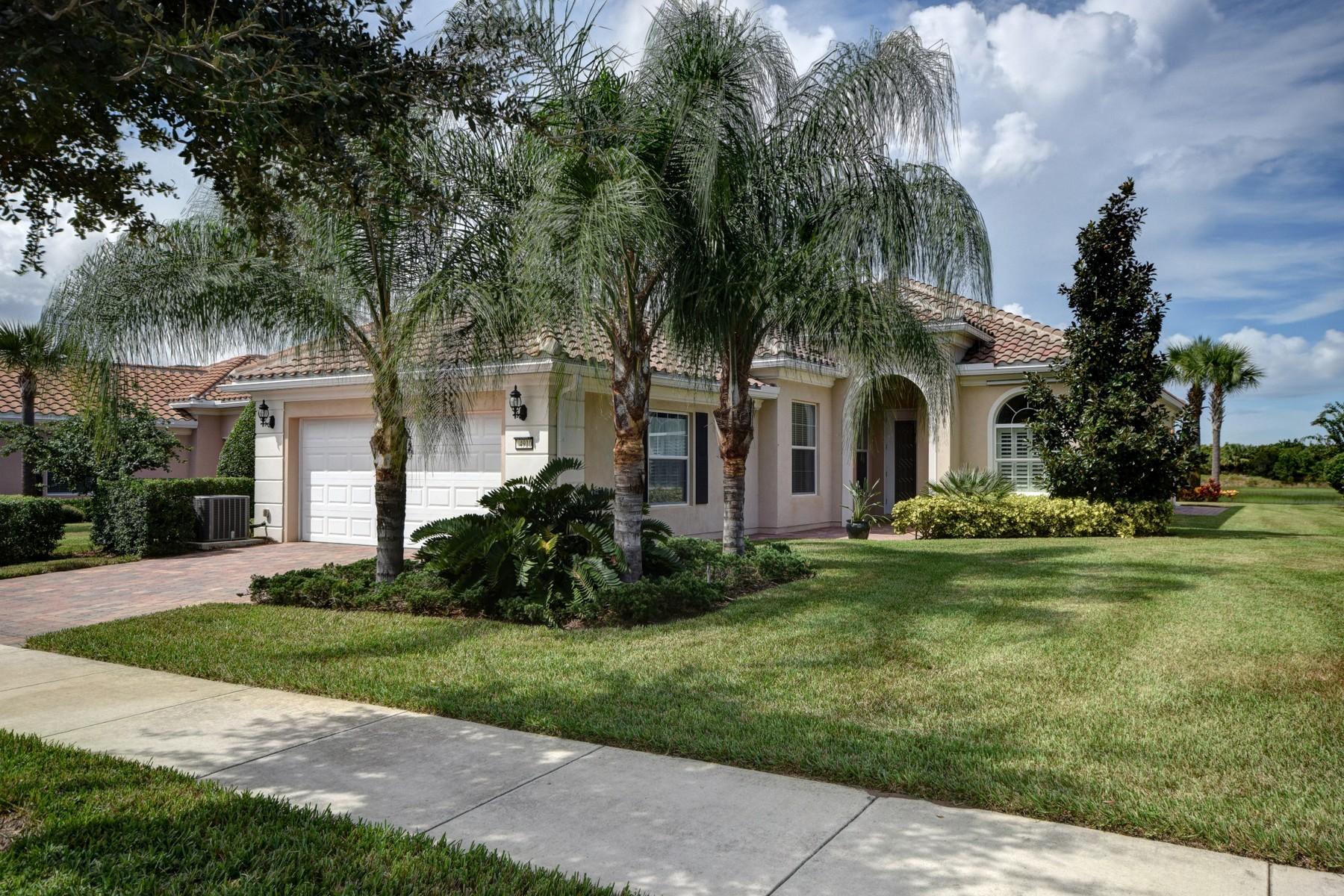 Maison unifamiliale pour l Vente à Breathtaking preserve view home in Waterway Village 4910 Green Isand Place Vero Beach, Florida 32967 États-Unis