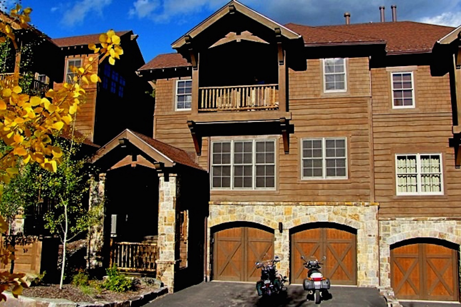 Property For Sale at Fabulous Ski-In / Ski-Out Condo Getaway