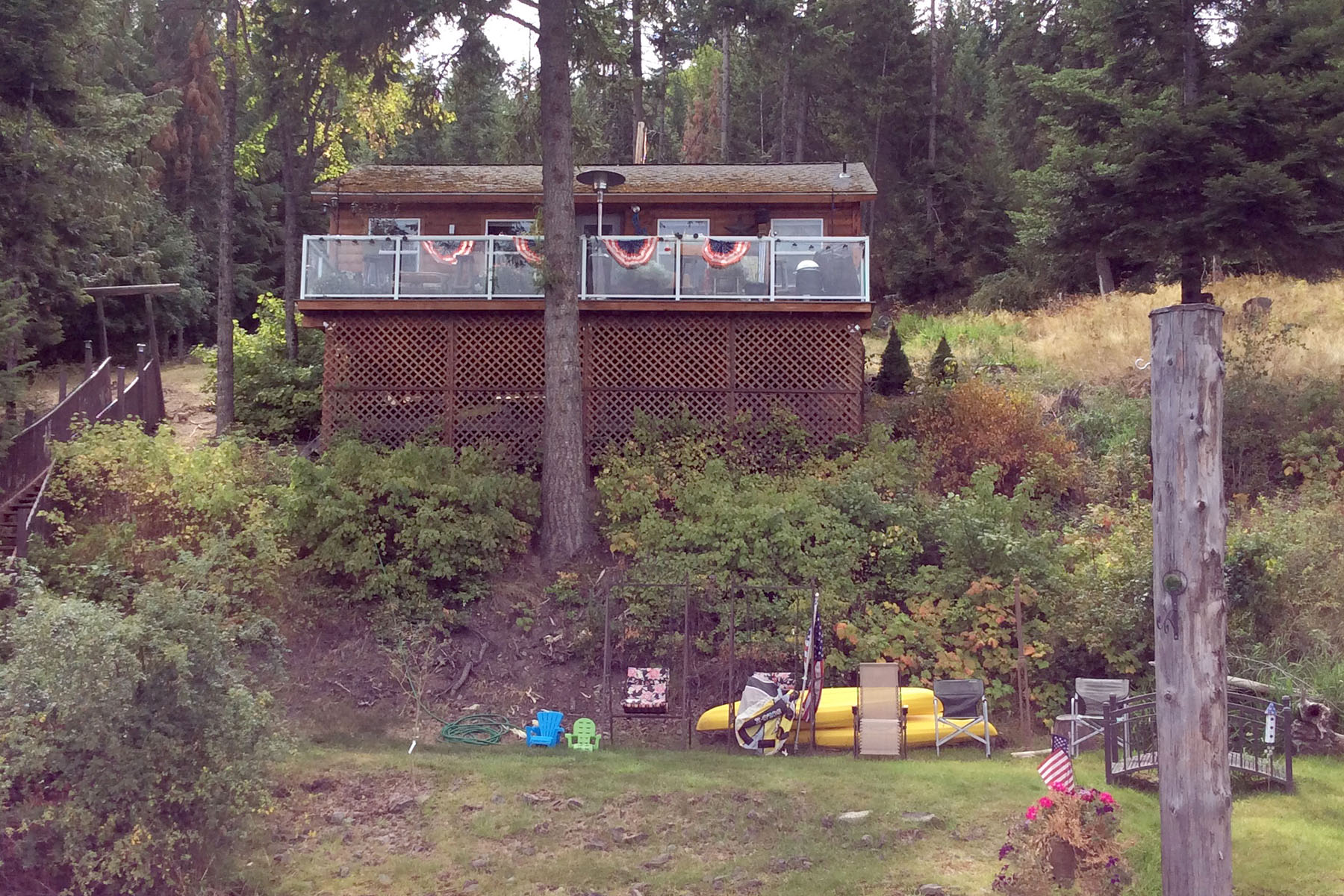 Maison unifamiliale pour l Vente à AFFORDABLE LAKE CABIN NKA Browns Bay Worley, Idaho 83876 États-Unis
