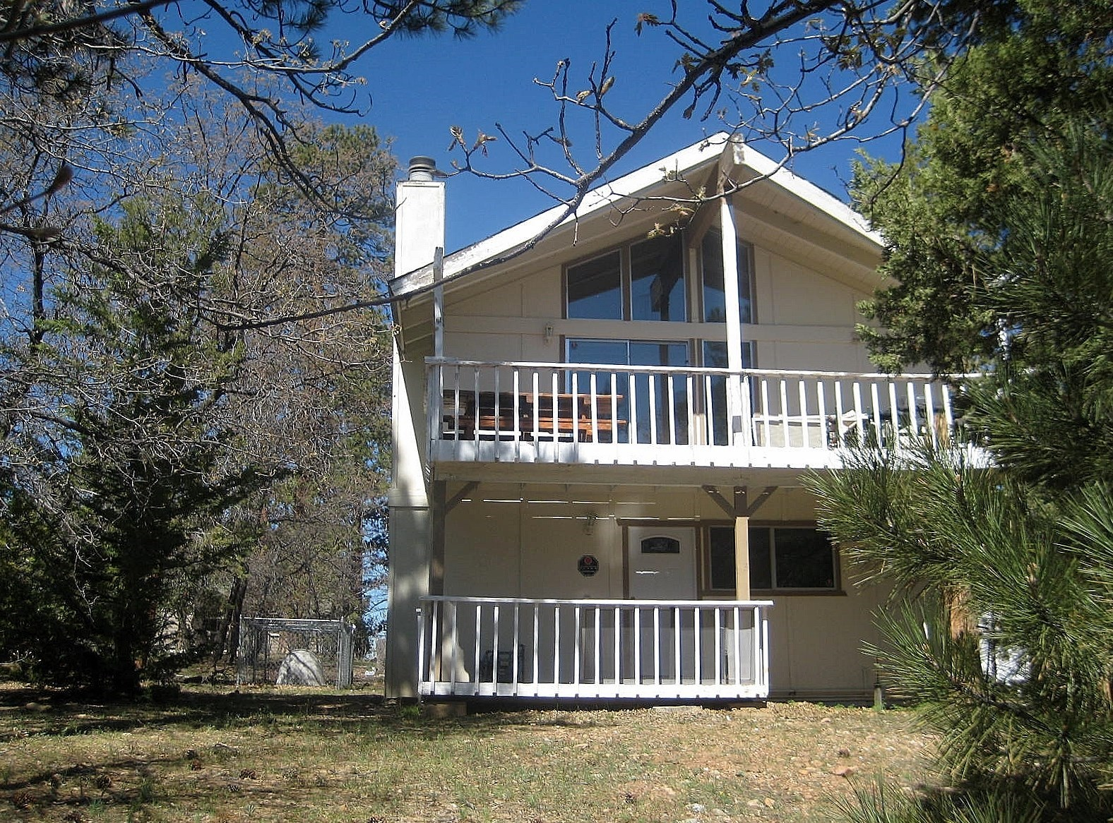Single Family Home for Sale at 757 Villa Grove Ave Big Bear City, California 92314 United States