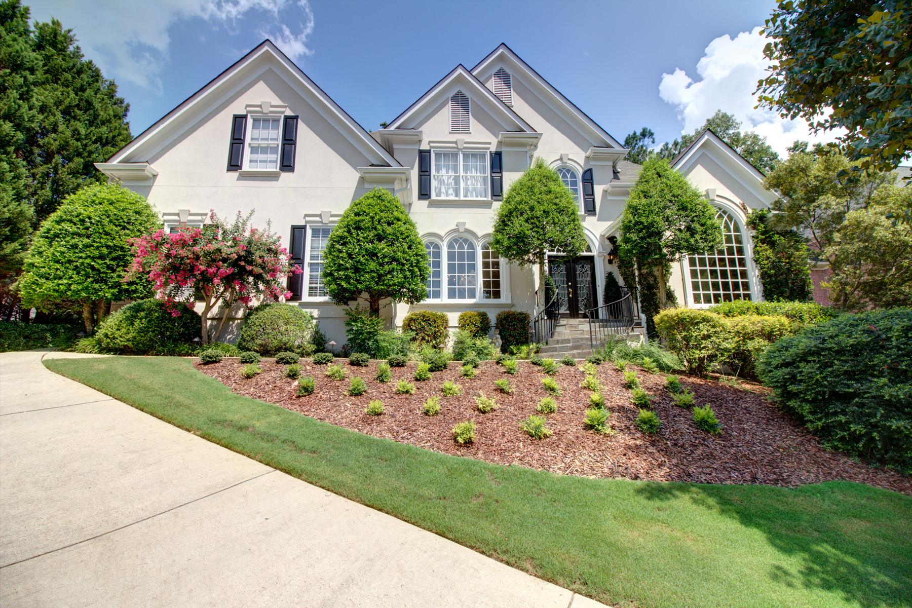 Частный односемейный дом для того Продажа на French Influence 9280 Nesbit Lakes Drive Alpharetta, Джорджия, 30022 Соединенные Штаты
