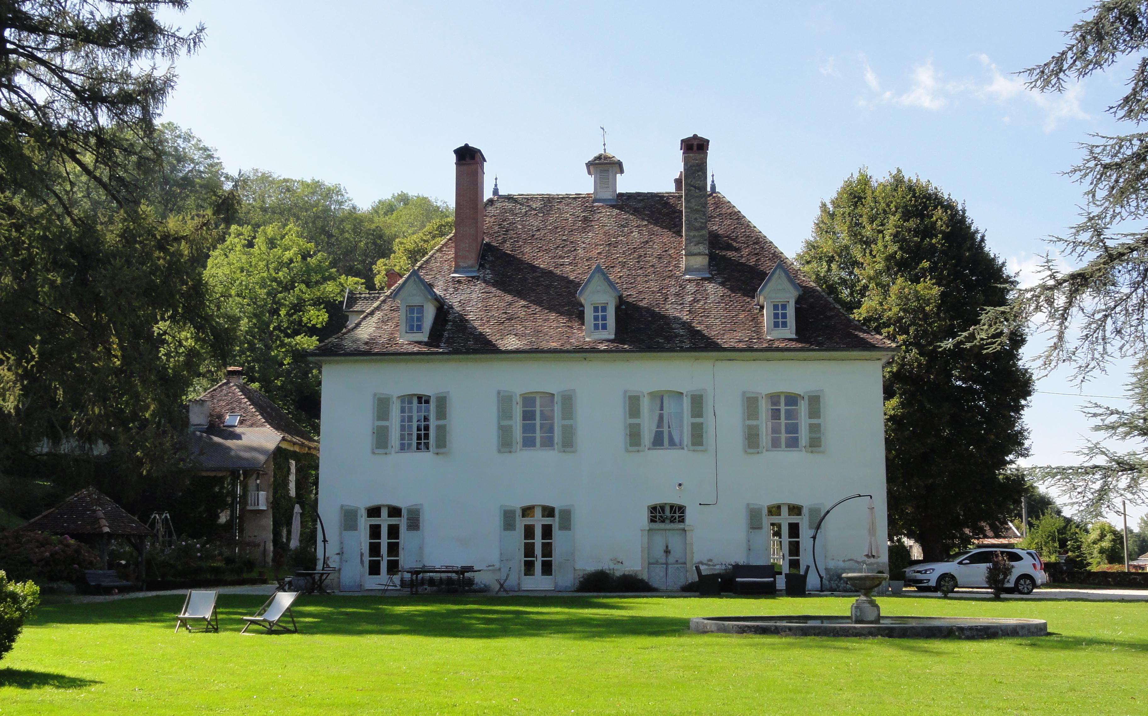 Casa para uma família para Venda às PONT DE BEAUVOISIN - BELLE DEMEURE SAINT JEAN D'AVELANNE Other Rhone-Alpes, Rhone-Alpes 38480 França