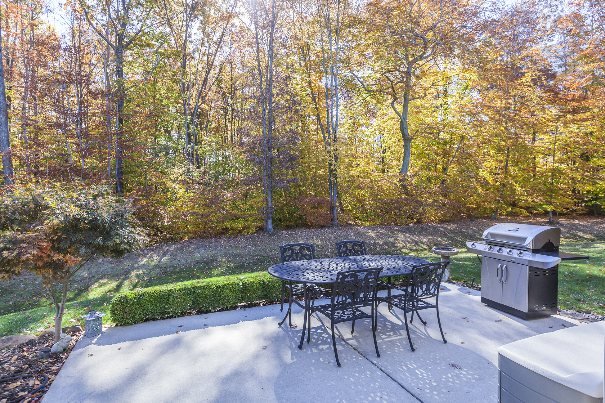 Additional photo for property listing at Sun-Washed Elegance in Princeton Manor - South Brunswick Township 32 Edgemere Drive Kendall Park, Nueva Jersey 08825 Estados Unidos