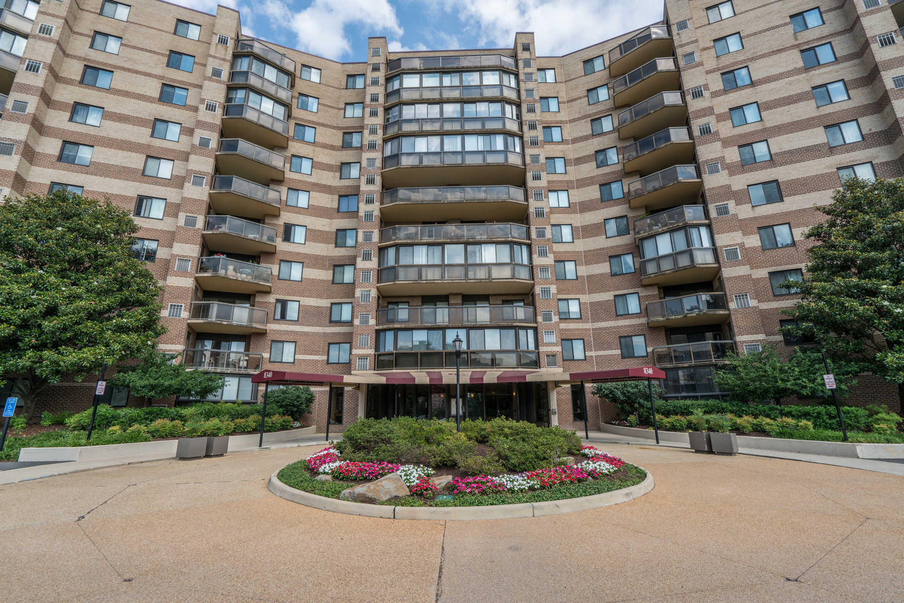 Condominium for Sale at The Rotonda 8340 Greensboro Dr 1021 McLean, Virginia, 22102 United States
