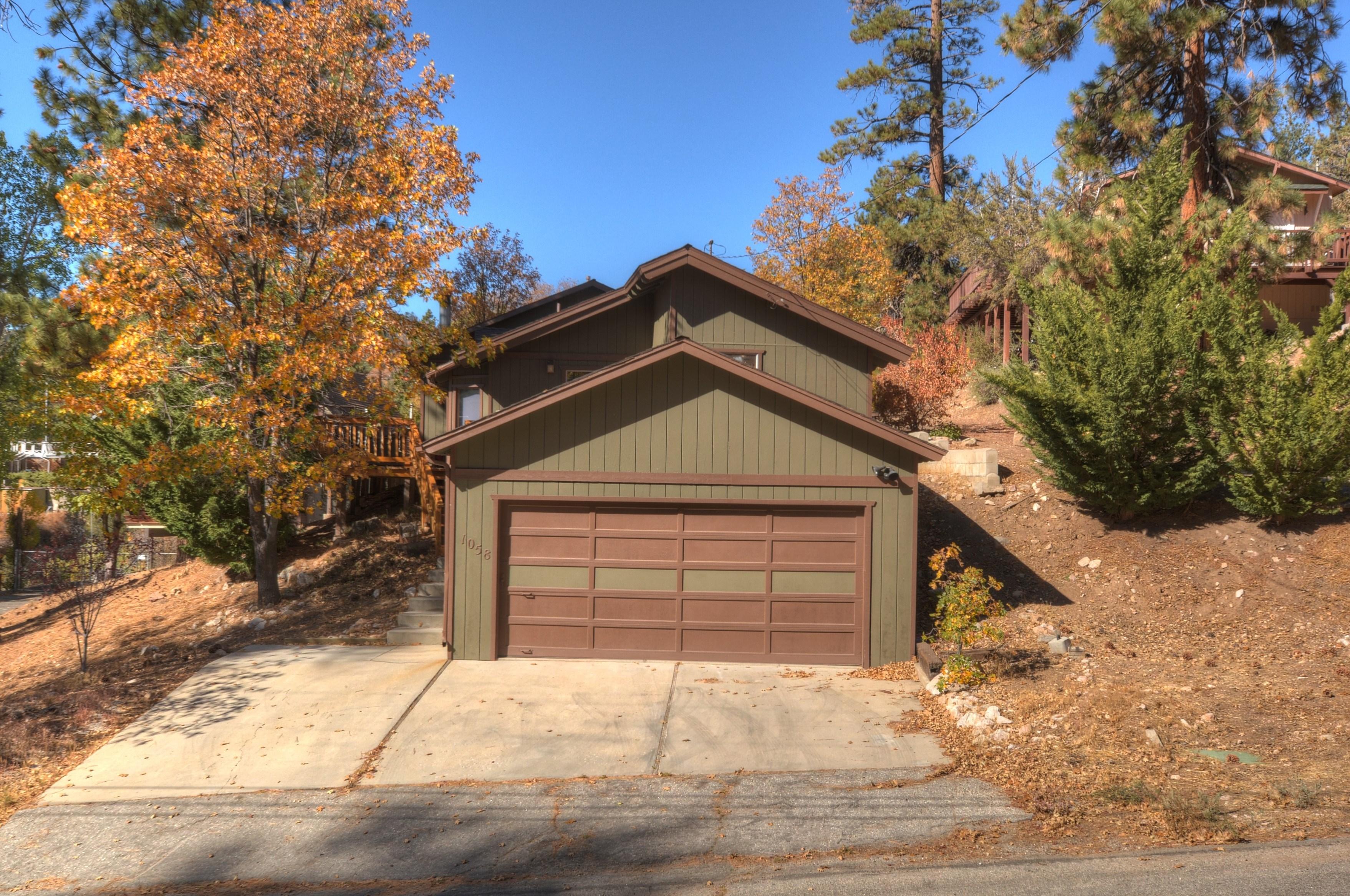 Maison unifamiliale pour l Vente à 0000 Fawnskin, Californie, 92333 États-Unis