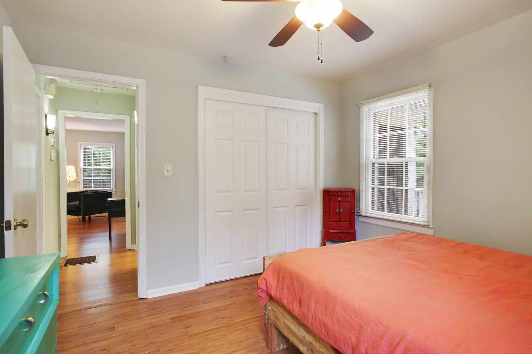 Additional photo for property listing at Amazing Value for 21 Updated Ormewood Park Bungalow! 989 Ormewood Avenue SE Atlanta, 喬治亞州 30316 美國