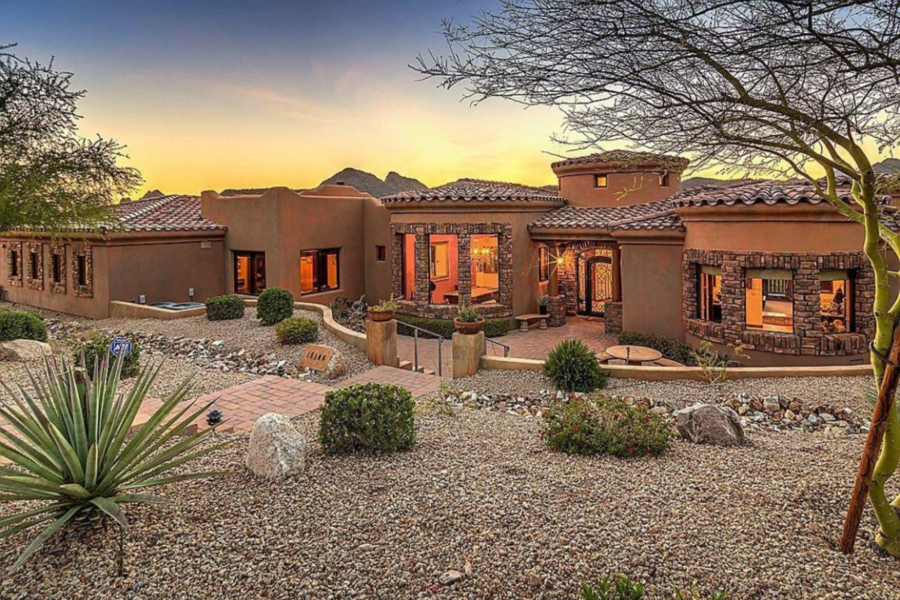 Single Family Home for Sale at Truly timeless beautiful Tuscan home 15106 E Miravista Dr Fountain Hills, Arizona, 85268 United States