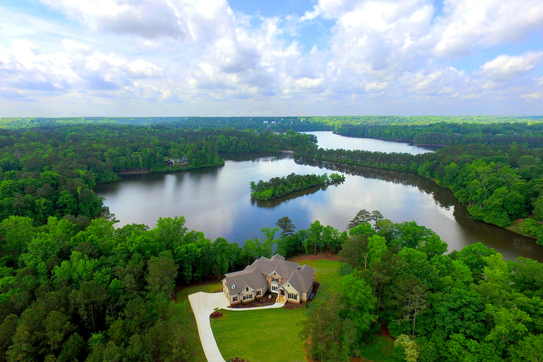 Additional photo for property listing at Lake Front Masterpiece In Peachtree City 83 Smokerise Point Peachtree City, Джорджия 30269 Соединенные Штаты