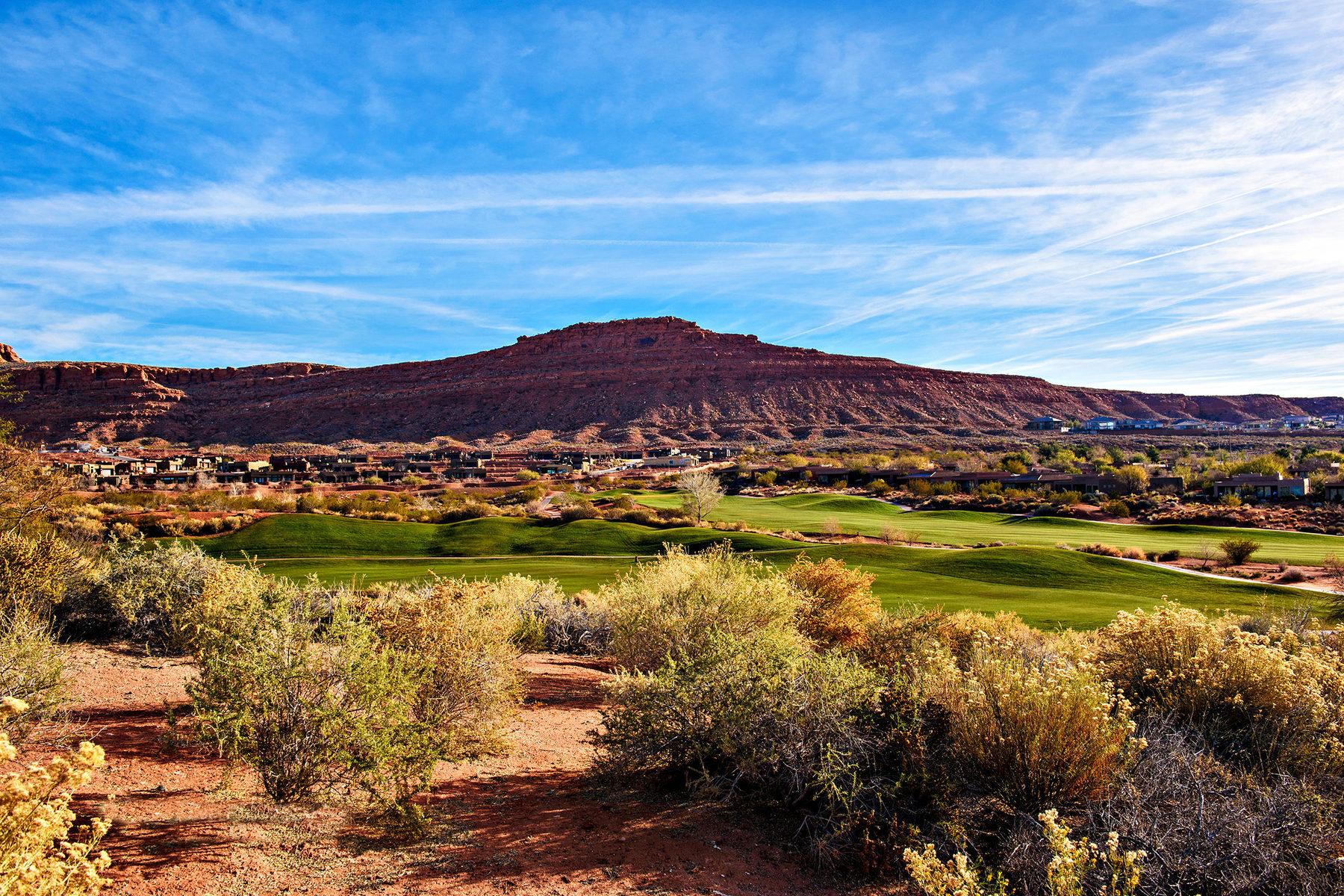 Частный односемейный дом для того Продажа на Golf Course Views 2410 Anasazi Trail St. George, Юта, 84770 Соединенные Штаты
