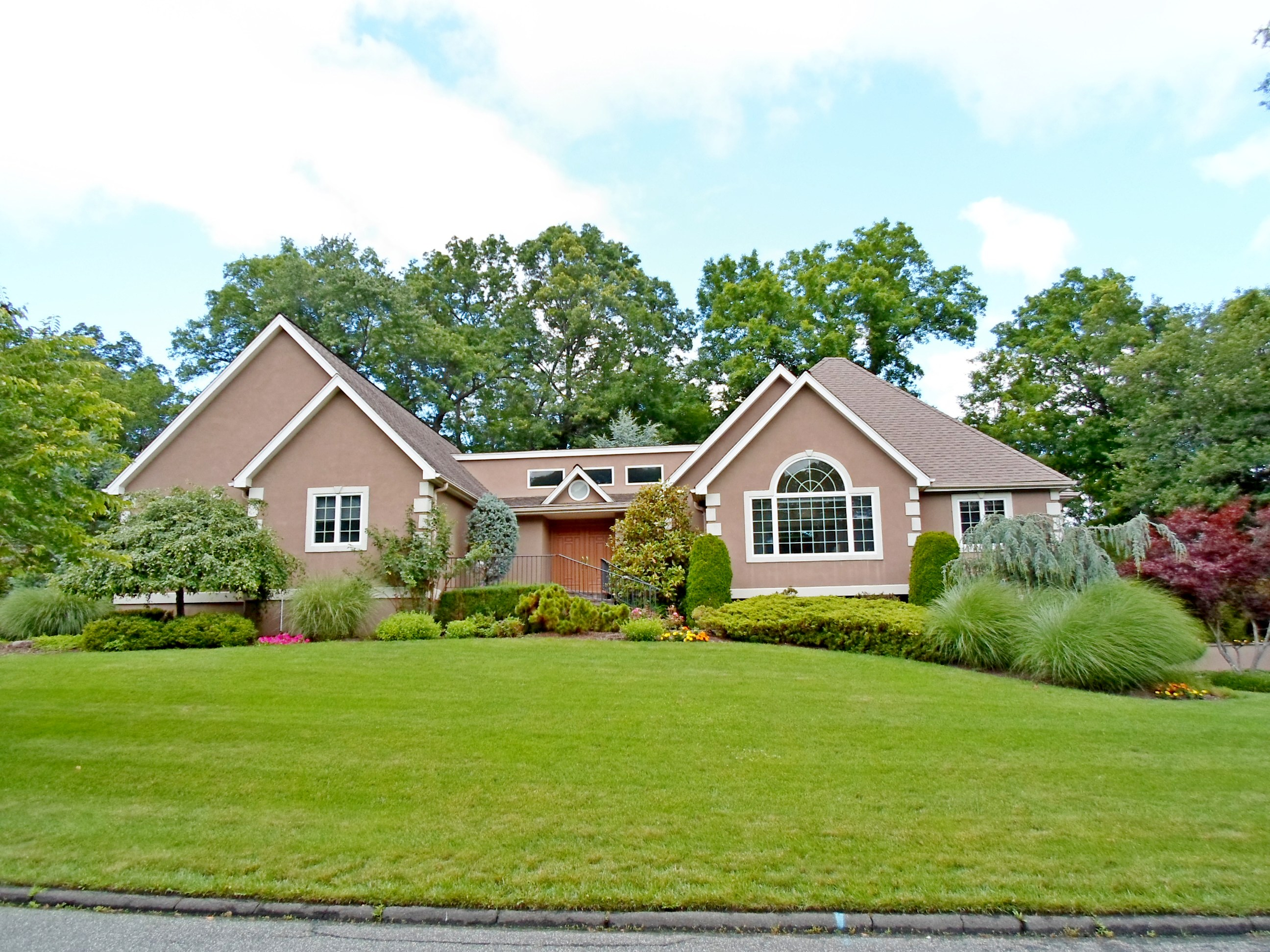 Single Family Home for Sale at Unique Custom Ranch - Sale Pending 2 Still Pond Terrace West Nyack, New York 10994 United States