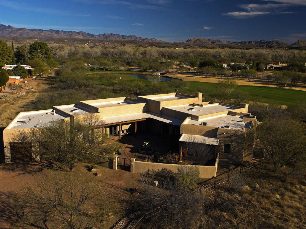 Maison unifamiliale pour l Vente à Gorgeous Santa Fe Design 102 Elliot Street Tubac, Arizona 85646 États-Unis