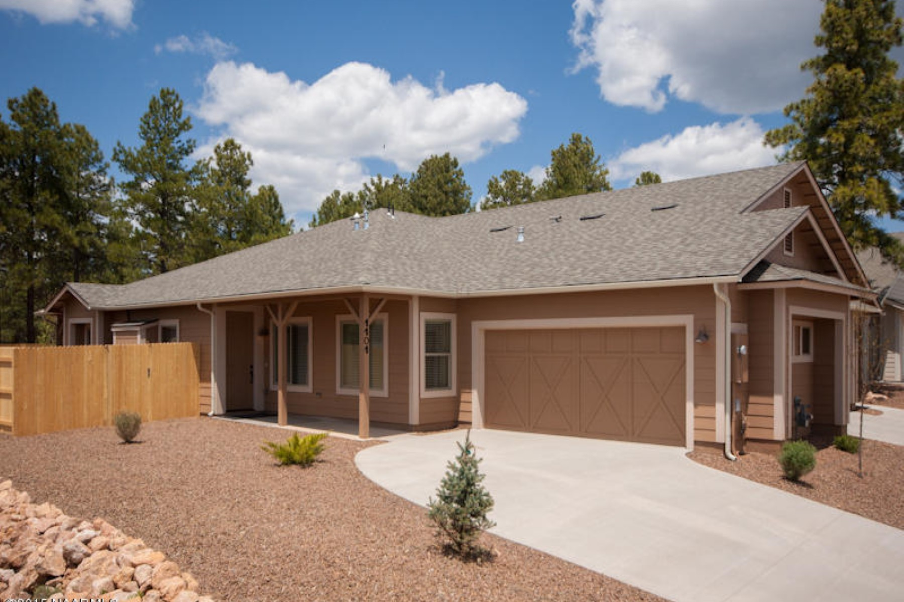 Casa para uma família para Venda às Single level three Bedroom two bath 1,399 sq. ft home 3199 E Cold Springs TRL Lot 20 Flagstaff, Arizona 86004 Estados Unidos