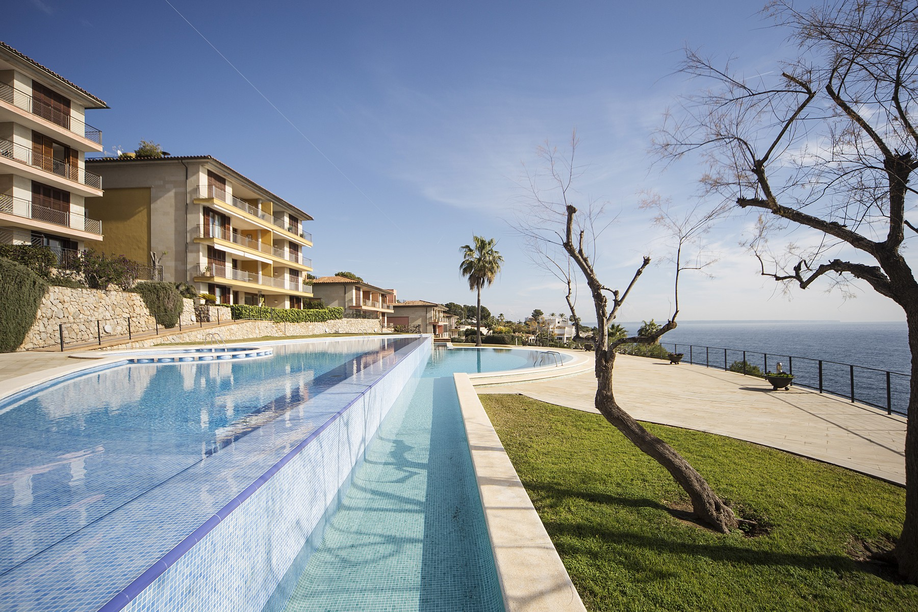 아파트 용 매매 에 Apartment with sea access in Sol de Mallorca Sol De Mallorca, 말로카, 07181 스페인