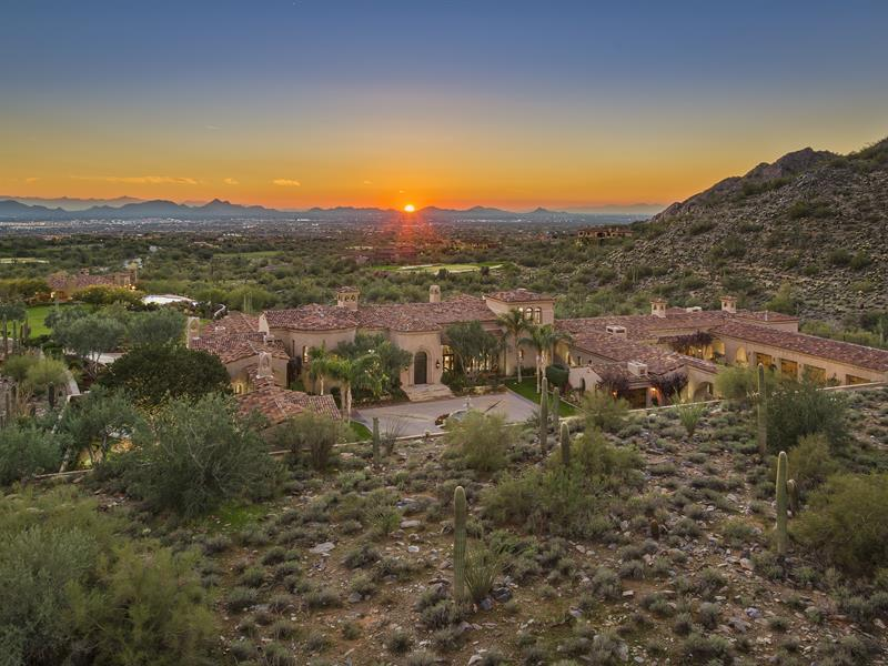 Single Family Home for Sale at Rare & Timeless True Desert Estate Property in Prestigious Silverleaf Community 10696 E Wingspan Way Scottsdale, Arizona 85255 United States