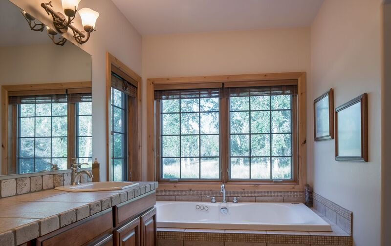 Additional photo for property listing at Newly Listed with River Access 1168 Glen Aspen Drive Bellevue, Idaho 83313 Estados Unidos