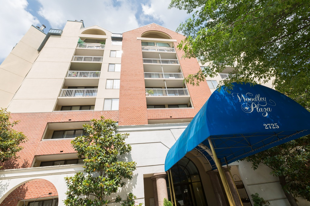 Property For Sale at Woodley Park - Woodley Plaza