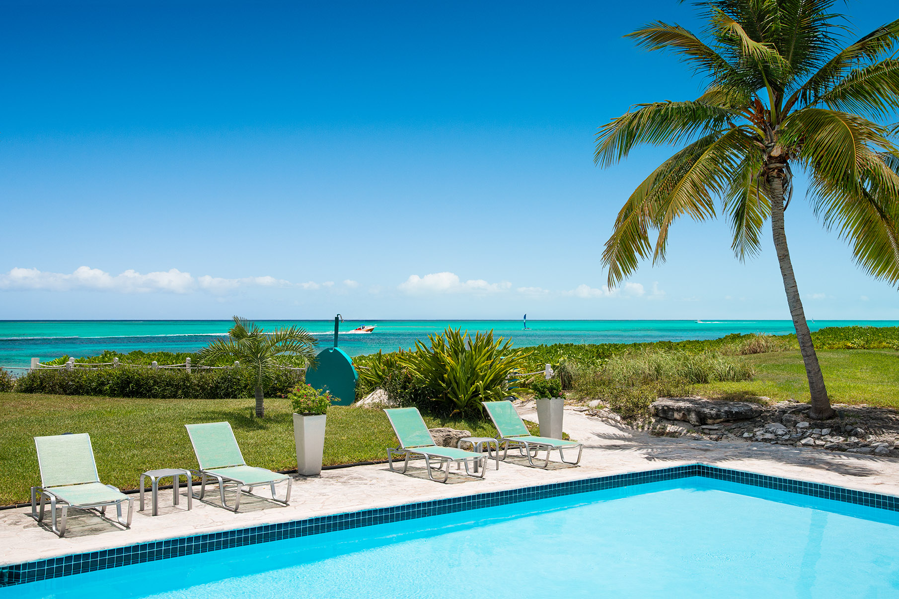 Additional photo for property listing at Coral Gardens - Suite 2311.12 Beachfront Grace Bay, Providenciales TC Îles Turques Et Caïques