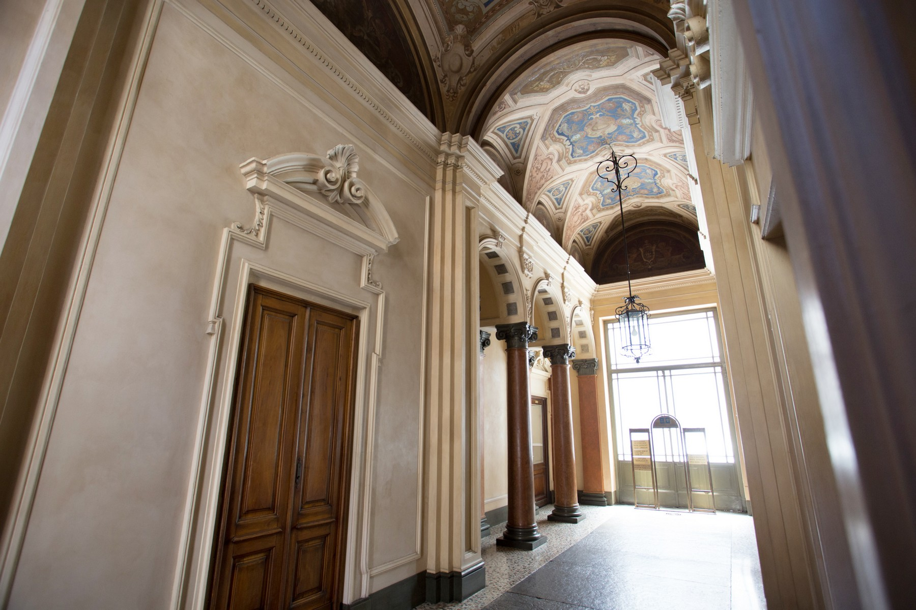 Additional photo for property listing at Sfarzoso appartamento nel centro storico Via Pietro Micca Turin, Torino 10122 Italia