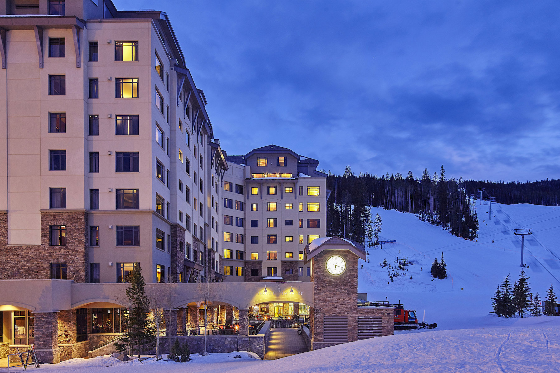 Condominio por un Venta en Ski-in, Ski-out Condo Hotel 60 Big Sky Resort Road, Summit 10407 Big Sky, Montana 59716 Estados Unidos