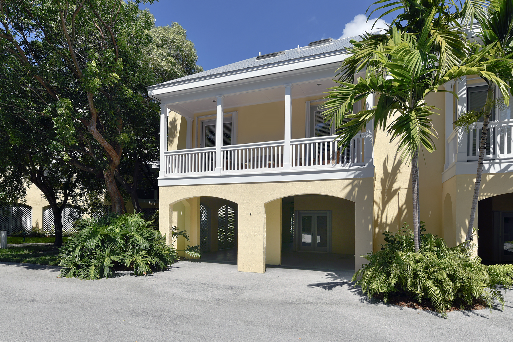 Additional photo for property listing at Exclusive Tarpon Flats 81250 Overseas Highway Unit #7 Islamorada, 플로리다 33036 미국