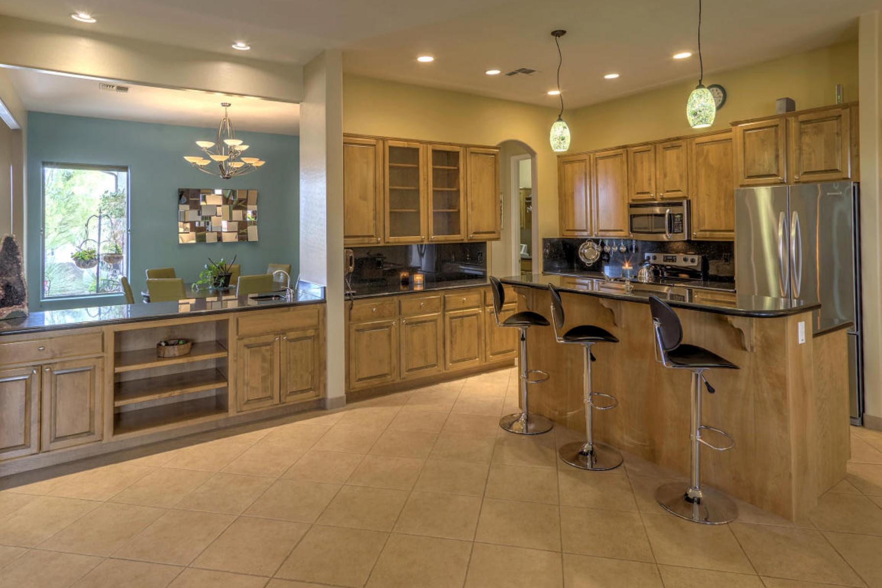 단독 가정 주택 용 매매 에 Spacious desert haven situated on over 1 acre. 29618 N 144TH WAY Scottsdale, 아리조나 85262 미국