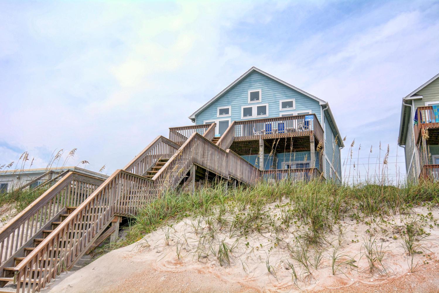 단독 가정 주택 용 매매 에 Oceanfront rental superstar 1928 South Shore Drive Surf City, 노스캐놀라이나 28445 미국
