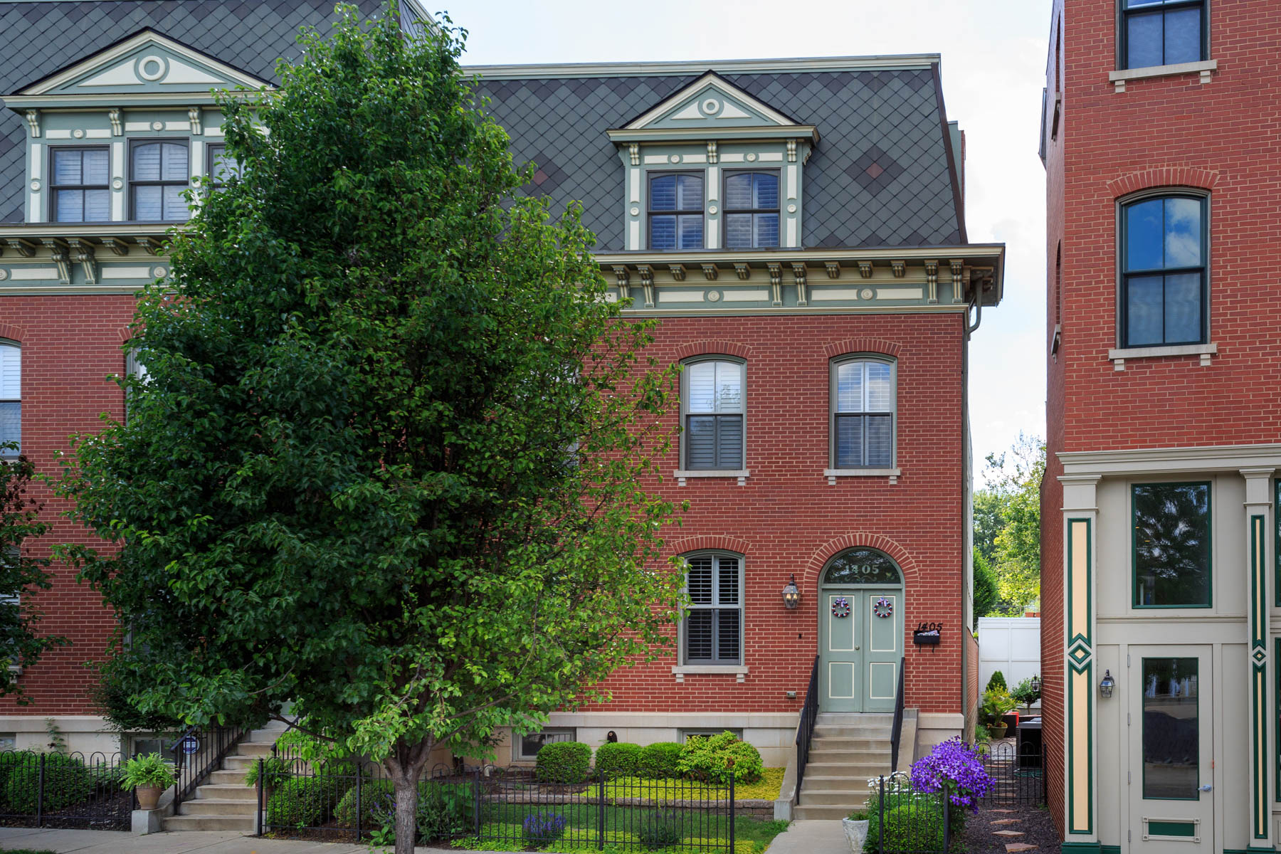 Tek Ailelik Ev için Satış at Vail Place/Lafayette Square 1405 Vail Place St. Louis, Missouri 63104 Amerika Birleşik Devletleri