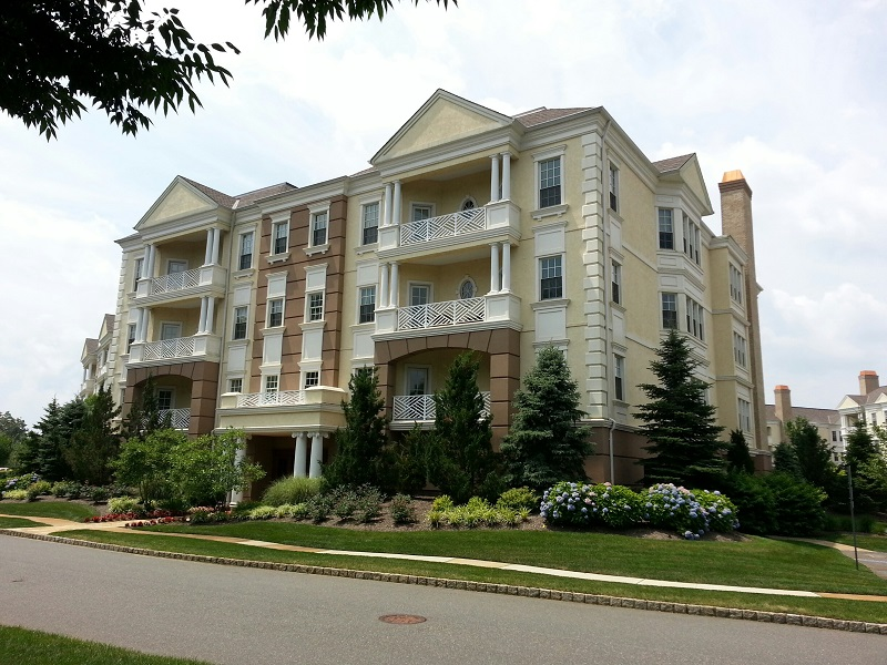 Condominio por un Venta en Enjoy the grandeur of The Monmouth 1142 Oval Road Wall, Nueva Jersey, 08736 Estados Unidos