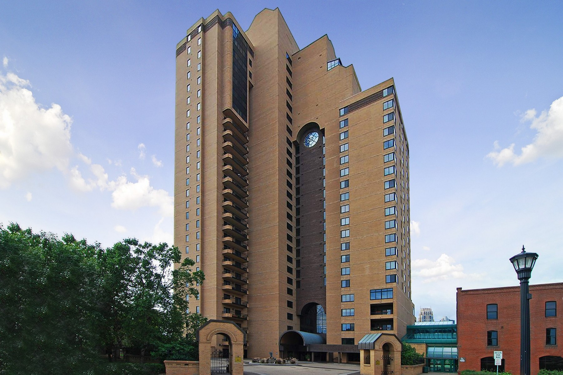 Property For Sale at 110 Bank Street SE #L1702, Minneapolis