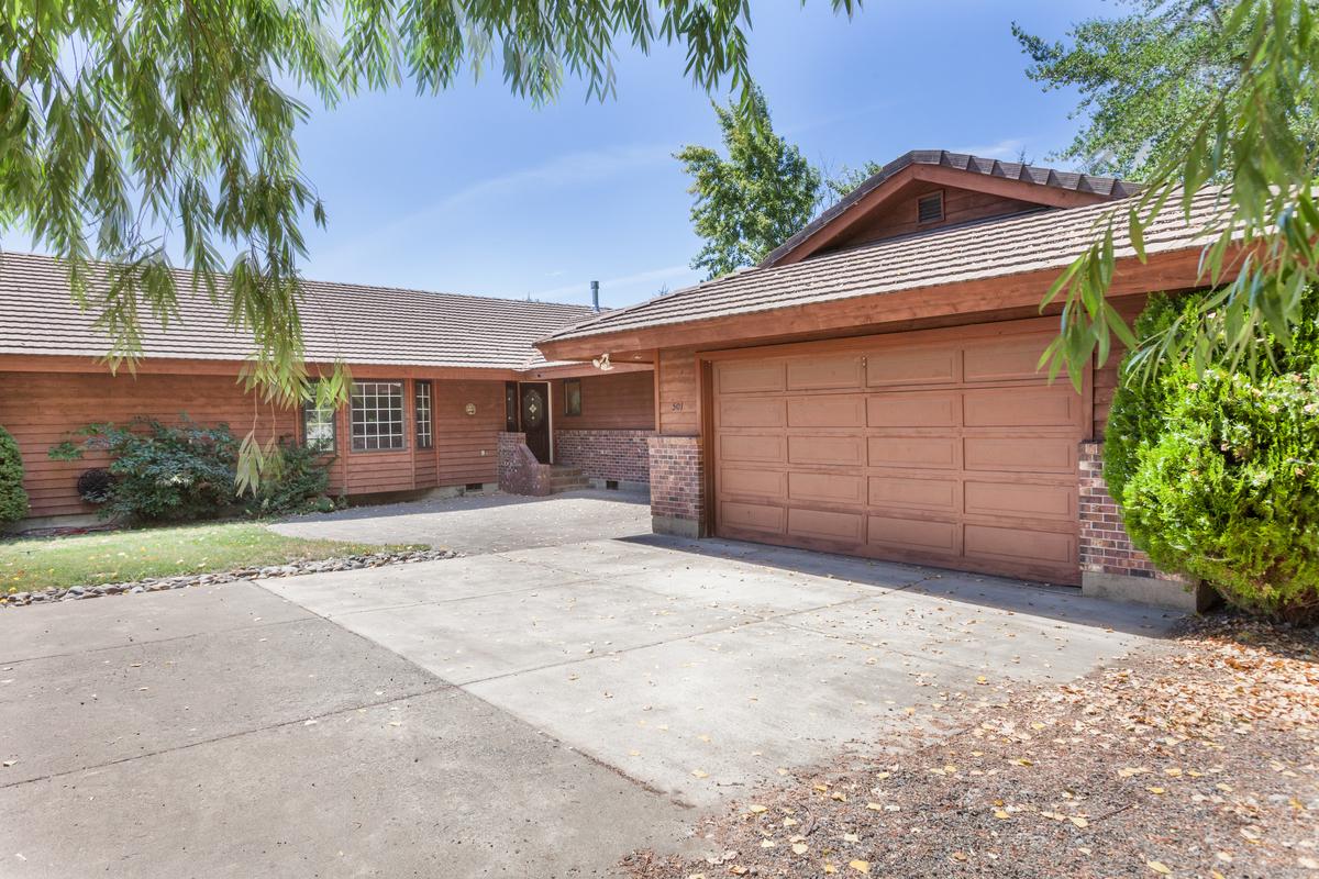 Einfamilienhaus für Verkauf beim Cle Elum One Level Living 501 Floral Avenue Cle Elum, Washington 98922 Vereinigte Staaten