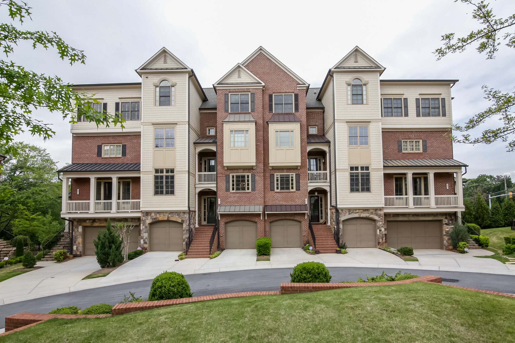 sales property at Gorgeous Executive Townhome