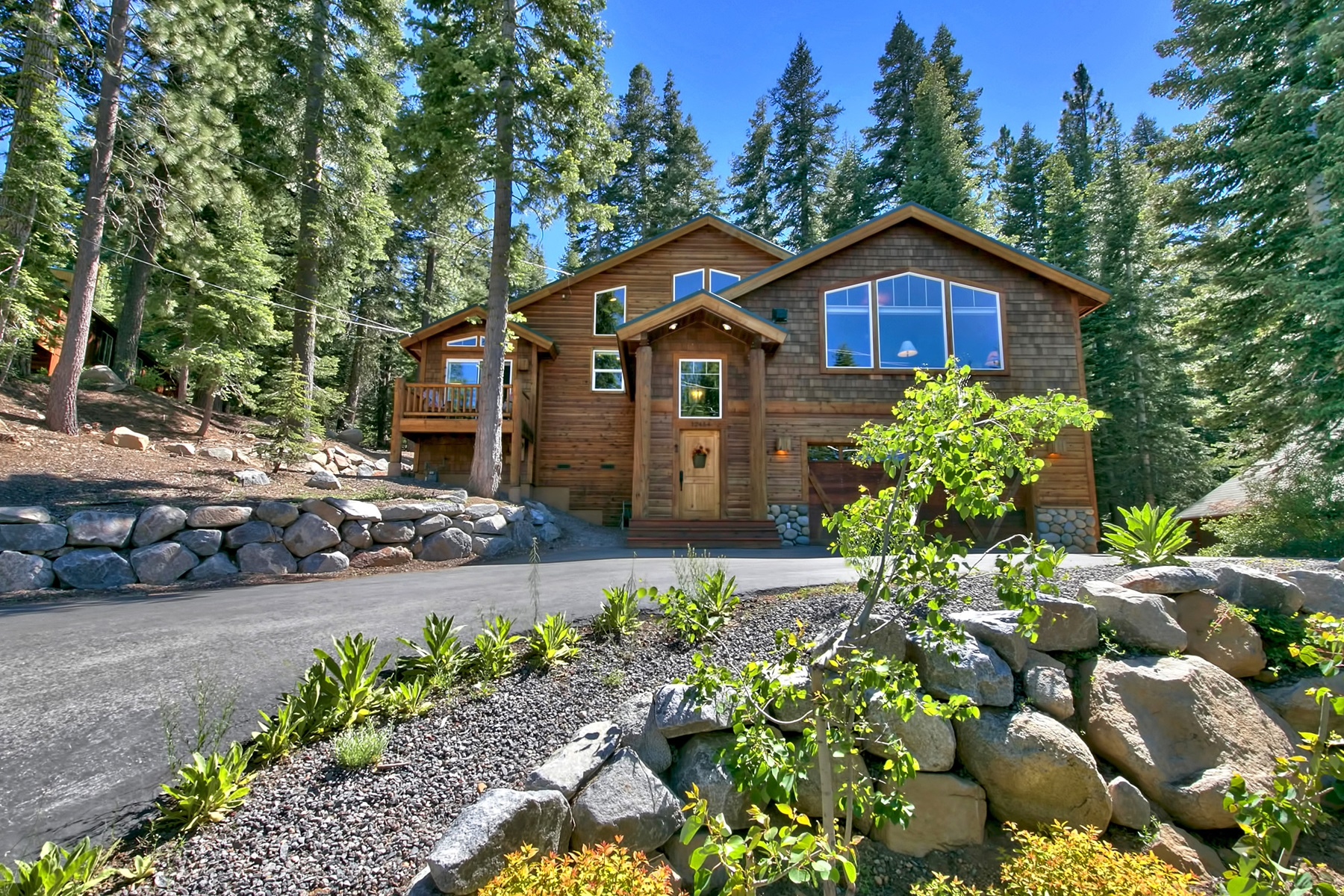 Single Family Home for Active at 12454 Skislope Way Truckee, California 96161 United States