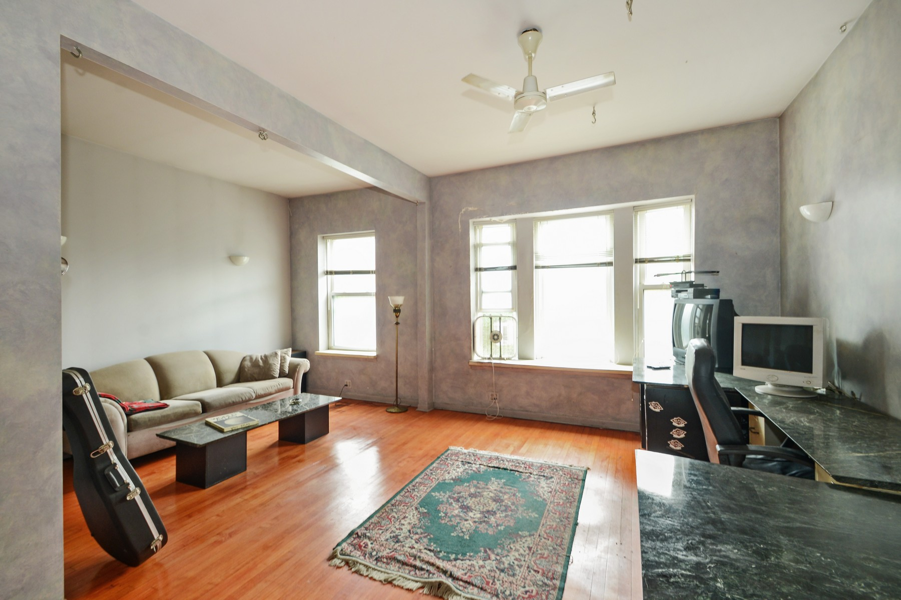 Apartamentos multi-familiares para Venda às High Demand Wicker Park/Ukranian Village Locaction 1052 N Damen Avenue West Town, Chicago, Illinois 60622 Estados Unidos