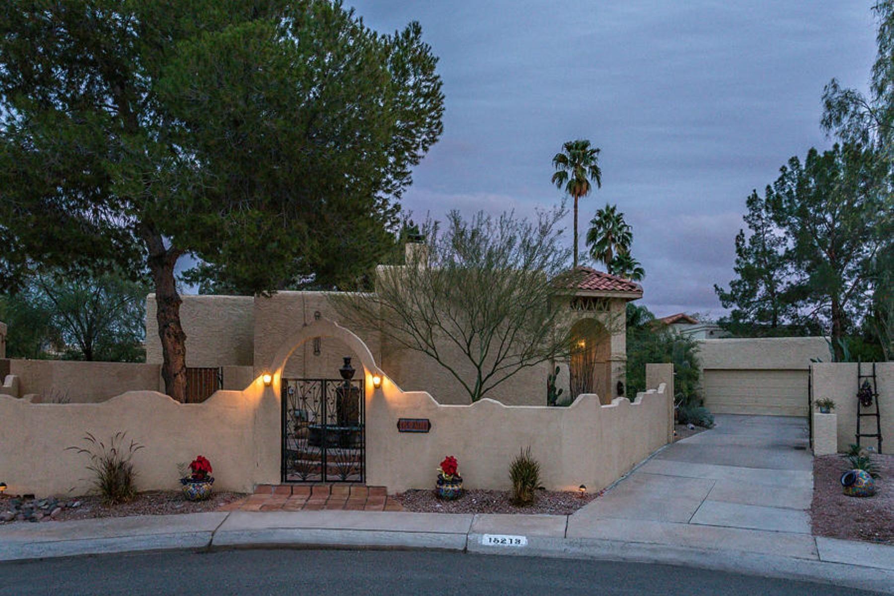 Einfamilienhaus für Verkauf beim Charming Santa Fe style courtyard home 15213 N 51 Pl Scottsdale, Arizona 85254 Vereinigte Staaten