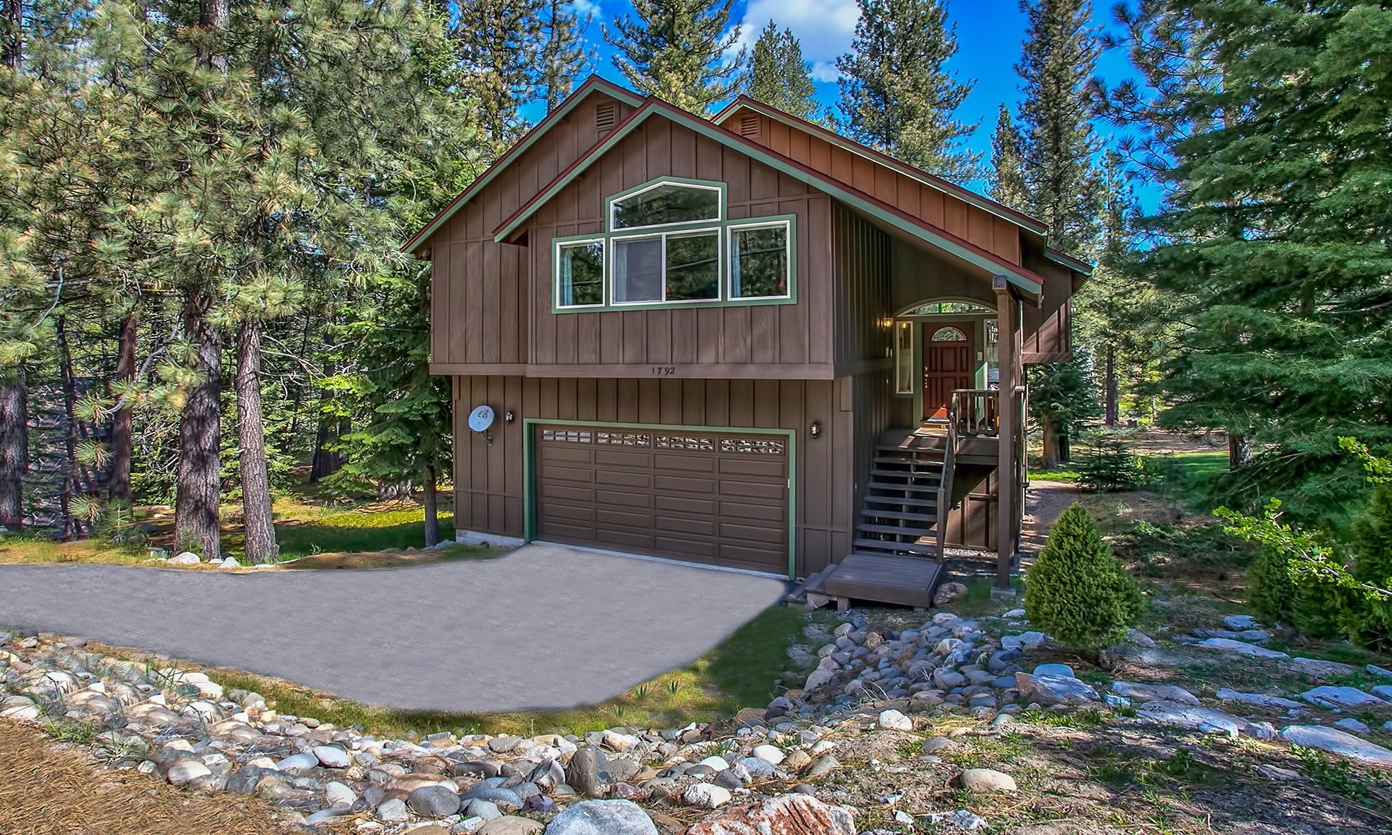 Single Family Home for Active at 1792 Apache 1792 Apache Avenue South Lake Tahoe, California 96150 United States