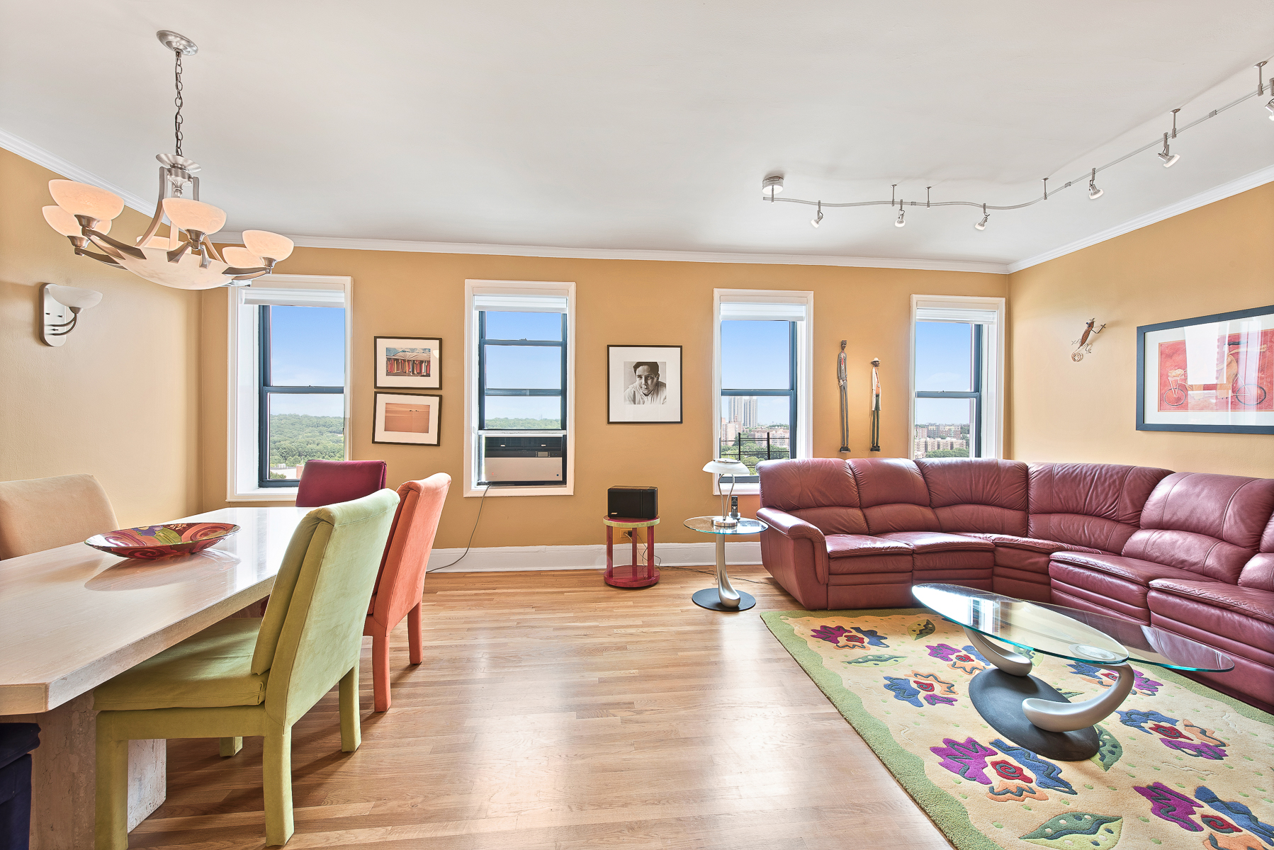 Coopérative pour l Vente à Extraordinary and Spacious 3 BR Renovated Co-op 3875 Waldo Avenue 11T Riverdale, Bronx, New York, 10463 États-Unis