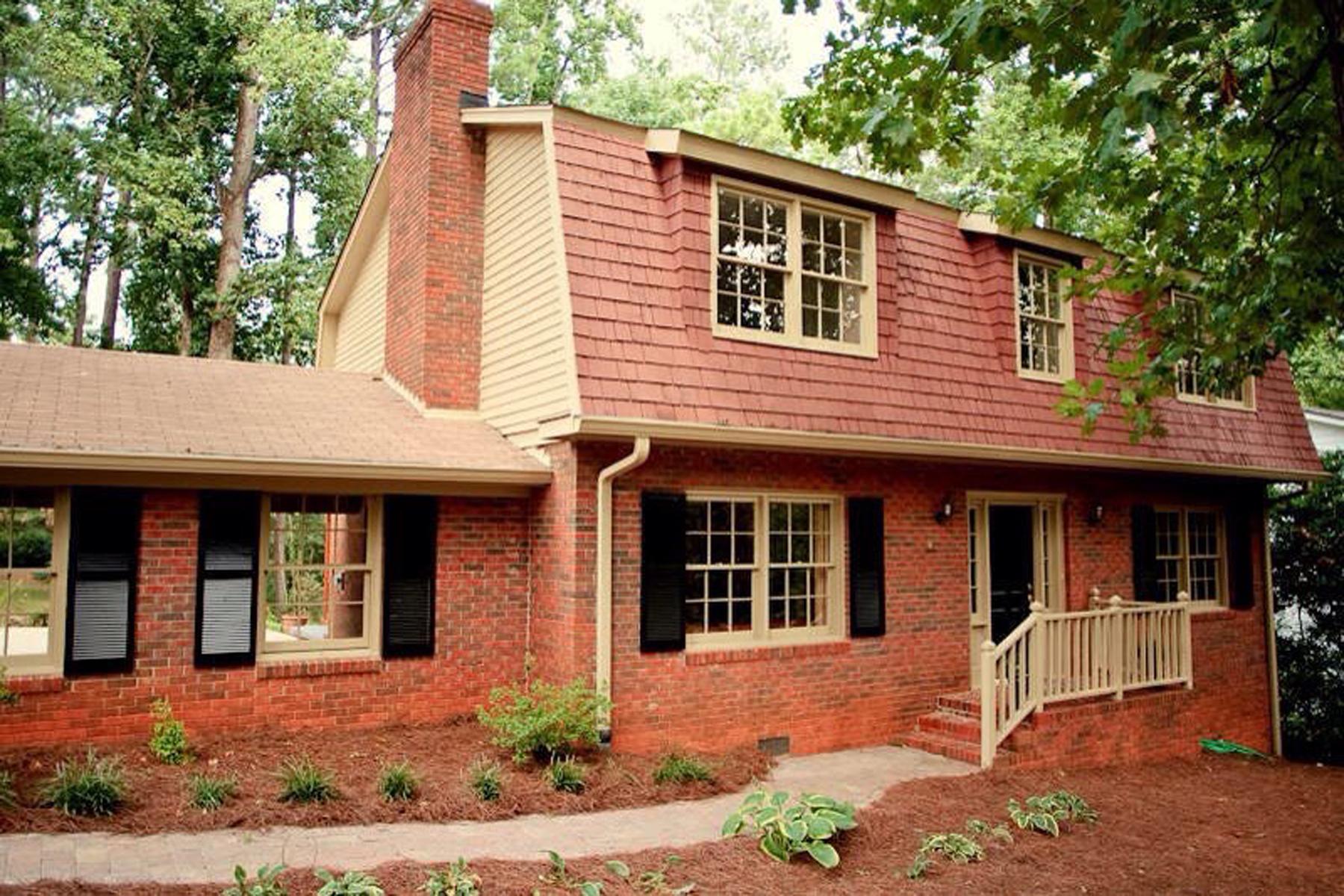 Einfamilienhaus für Verkauf beim Adorable Move-in Ready Home In A Fabulous Location Awaits You 7221 Duncourtney Drive Atlanta, Georgia, 30328 Vereinigte Staaten