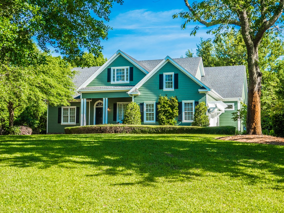 Single Family Home for Sale at Meticulously landscaped and maintained home 100 Drake Rd Hampstead, North Carolina, 28443 United States
