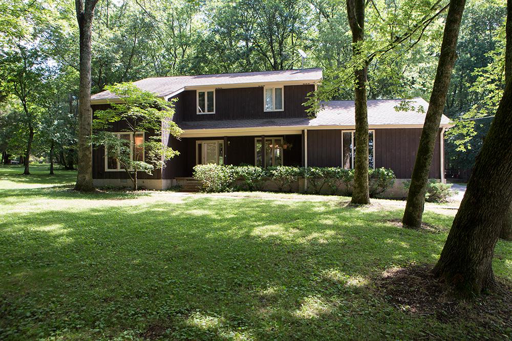 Fazenda / Quinta / Rancho / Plantação para Venda às Franklin Home on Over 6 Acres 3188 Boxley Valley Road Franklin, Tennessee 37064 Estados Unidos