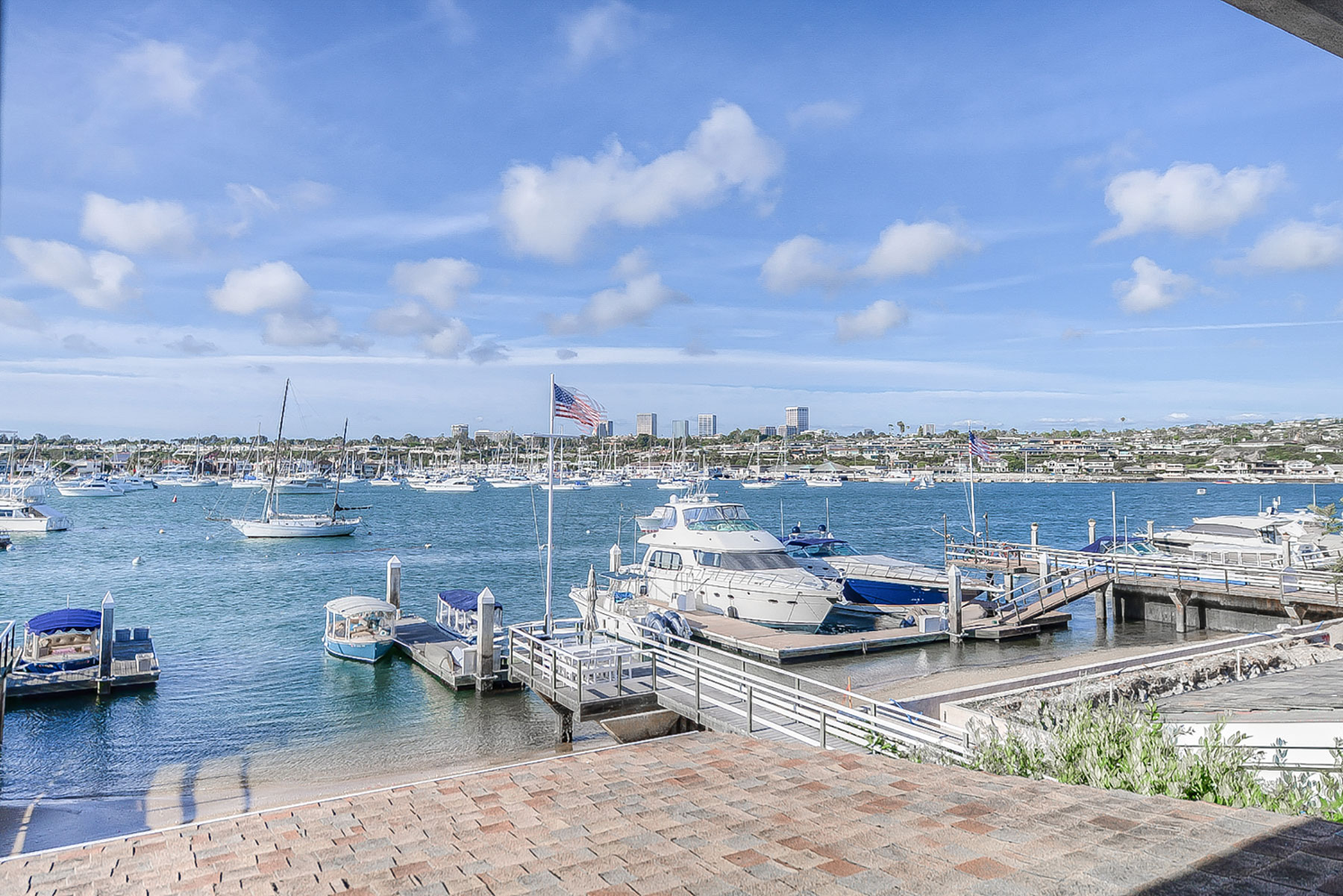 단독 가정 주택 용 매매 에 1805 E. Bay Avenue Newport Beach, 캘리포니아, 92661 미국